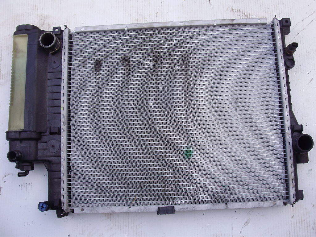 Продам Радиатор охлаждения БМВ Е39 BMW 5 Борисполь