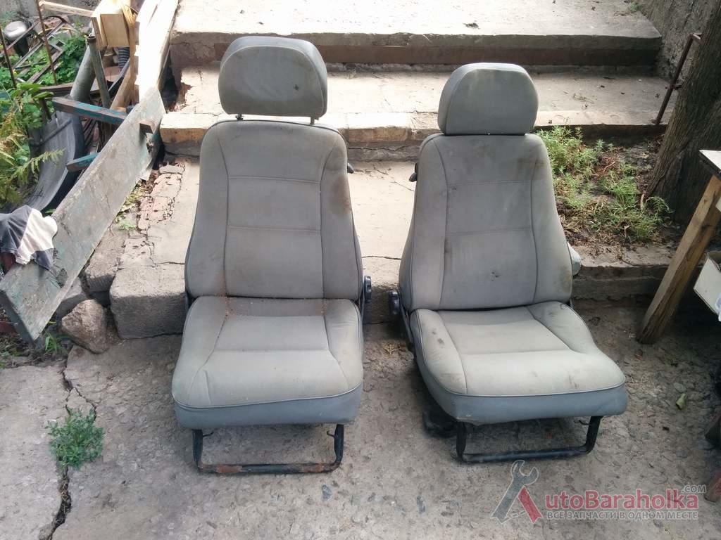Продам Передние сидения ВАЗ 2108, 2109. Обшивка в идеале, полностью рабочие, требуют чистки Днепропетровск