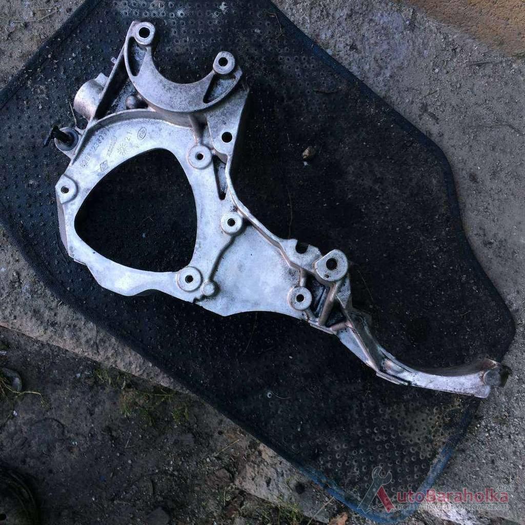Продам Б/у кронштейн крепления кондиционера и генератора 8200123833, 2.2DCI, Renault кировоград